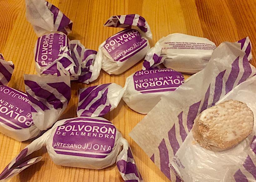 Польварон и Мантекадо - испанские сладости, производятся в Малаге